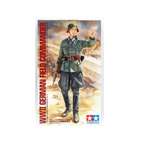 TAM36313-01-1-GERMAN-FIEL-COMMANDER-1-16-TAMIYA-36313