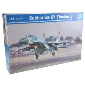 Kit-Plastico-Sukhoi-Su-27-Flanker-B-1-32---Trumpeter