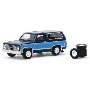 Miniatura-The-Hobby-Shop-S8-1986-Chevrolet-K5-Blazer---1-64---Greenlight-GRE9708097080E