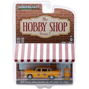 Miniatura---The-Hobby-Shop-S7---1978-Taxi-Motors-Marathon---1-64---Greenlight